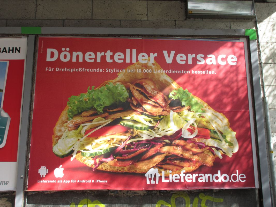 donerteller versace - ad for German food delivery service