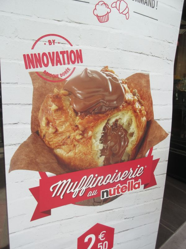 Muffin filled and topped with Nutella